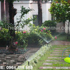 lắp đặt hệ thống tưới cỏ phun mưa tự động