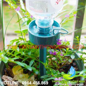 Bộ đầu tưới nhỏ giọt gắn chai nước tưới chậu cây thông minh